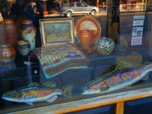 Shop window. Love those fishes!